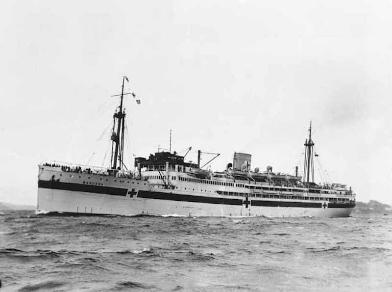 Hospital ship MANUNDA in Sydney Harbour 17th August 1940 cropped