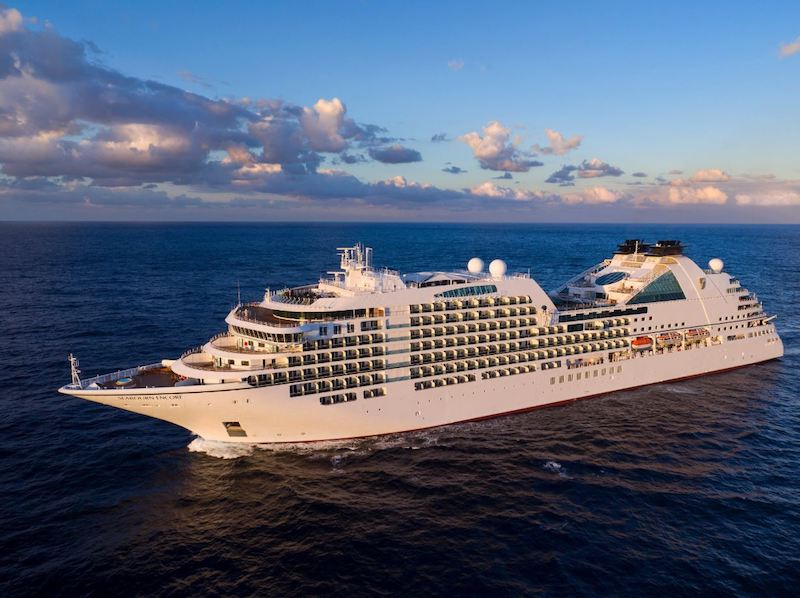 Seabourn Encore from above1