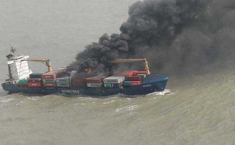 container ship fire bay of bengal 625x300 1528971472397