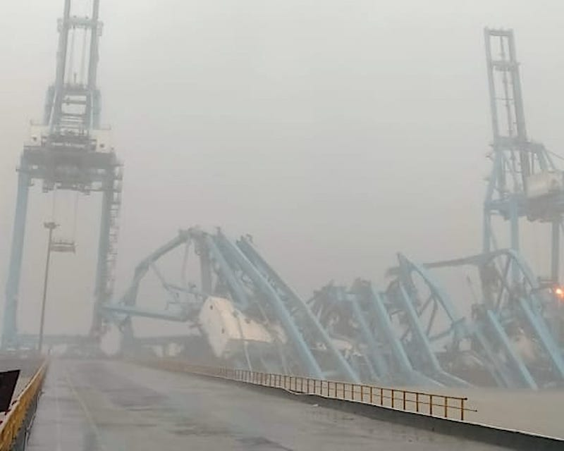 mumbai port container collapse