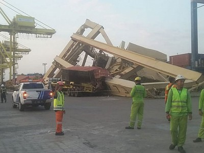Container ship SOUL OF LUCK hit pier at TPKS Container Terminal Semarang Port