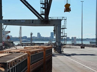 How and why did the Northern Territory lease the Darwin Port to China, and at what risk?