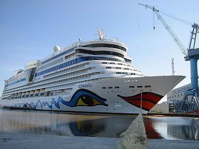 Carnival Hiring 4,500 Italian Crew Members