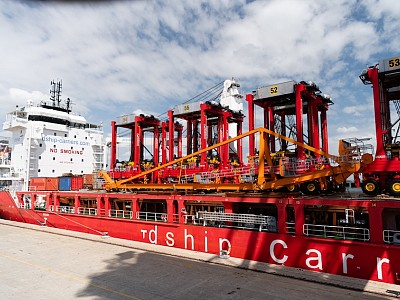 dship Carriers Delivers Seven Urgent Straddle Carriers to Australia