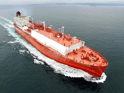 Qatar Petroleum signs the largest LNG shipbuilding agreement in history to secure more than 100 ships