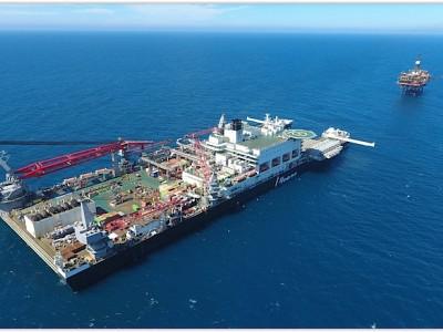 Pioneering Spirit removes third platform from Brent field