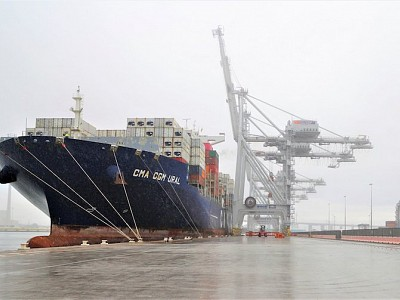 Port of Melbourne welcomes largest container capacity ship to dock in Melbourne