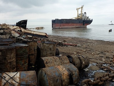NGO Shipbreaking Platform: Shipping Companies Still Favor the Worst Scrapyards