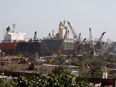 Lack of capacity for green recycling of large ships persists -  BIMCO