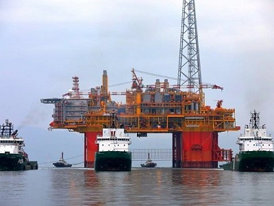 World's largest semi-submersible platform - Ichthys Explorer - arrives in Australian waters