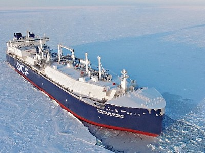 Russian tanker sails through Arctic without icebreaker for first time