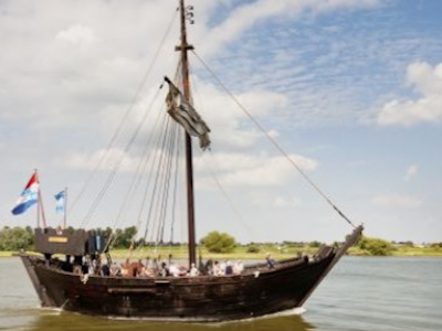 600-YEAR-OLD SHIPWRECK RECOVERED INTACT FROM DUTCH RIVER