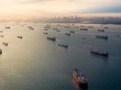 Global merchant fleet surpasses 2bn dwt for the first time