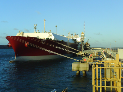 Failure of mooring line on board LNG carrier Zarga with 1 person injured