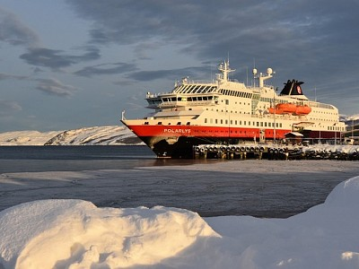 Hurtigruten and Rolls-Royce team up for gas hybrid system across cruise ships