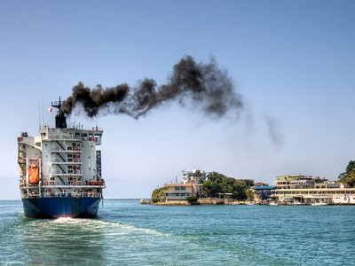Shipping Lagging Behind in CO2 Reduction