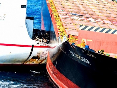 Collided RoRo and Containership Finally Disentangled