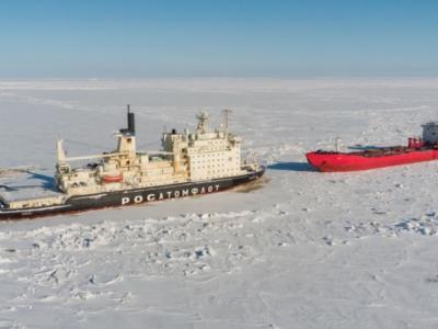 Oil tanker lost steering in icy Ob Bay