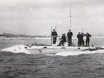 HMS HOLLAND 1